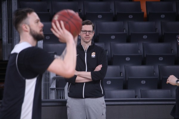 Ratiopharm Ulm Basketball: Teamtraining mit Headcoach Thorsten Leibenath